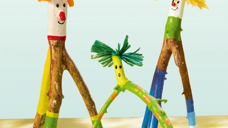 Ağaç Dal Parçaları ile Küçük Adamlar